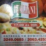 Photo taken at Pizzaria Italiani by Edgard O. on 8/5/2012