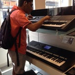 Photo taken at Chappell Of Bond Street by Jawahar H. on 6/21/2014