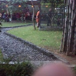 Photo taken at Warung Ikan Segar Bu Untung by Enne M. on 8/4/2013
