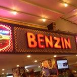 Photo taken at Big Yellow Taxi / Benzin Cafe Işıklar by TC Tarkan B. on 10/15/2013