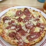 Photo taken at Caravelle Pizzaria by Claryssa D. G. on 12/11/2012