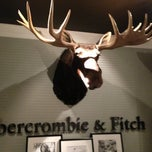 Photo taken at Abercrombie & Fitch by Gene on 5/28/2013