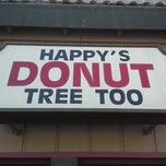 Photo taken at Happy Donuts Tree Too by Coach B. on 9/14/2014