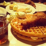 Photo taken at Roscoe's House of Chicken and Waffles by Francisco R. on 2/24/2013
