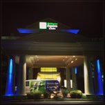 Photo taken at Holiday Inn Express and Suites by Beer Run B. on 9/12/2013