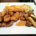 Photo taken at Hard Rock Satisfaction Buffet by Tom K. on 10/18/2013
