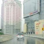 Photo taken at Jalan Layang Non Tol Kp. Melayu - Tanah Abang by Lusi L. on 12/31/2014