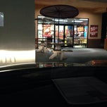 Photo taken at Popeyes Chicken by Kessh G. on 11/21/2013