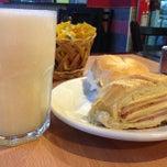 Photo taken at Tago's Restaurante e Lanchonete by Elvis D. on 9/24/2013