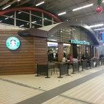 Photo taken at Starbucks by Dimitri R. on 12/10/2012