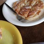 Photo taken at Mabuba Halal Food by Phsk S. on 11/23/2013