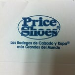 Photo taken at Corporativo Price Shoes by LEON U. on 11/12/2012