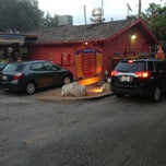 Photo taken at Torchy's Tacos by Robert G. on 5/16/2013