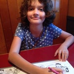 Photo taken at Me-N-Ed's Pizza Parlor by Damian W. on 9/28/2014