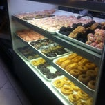 Photo taken at Yum Yum Donuts by Vanessa L. on 2/28/2014