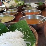Photo taken at ขนมจีนเนินขุมทอง by Wichuda T. on 5/4/2015