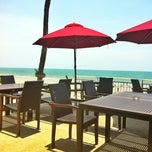 Photo taken at Imperial Hua Hin Beach Resort by Patcha🌾 on 4/27/2012