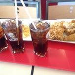 Photo taken at KFC (เคเอฟซี) by NAMTARN on 3/10/2015