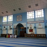 Photo taken at Masjid Al-Hikmah Tanjung Lumpur by wahirahim on 6/17/2014
