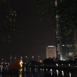 Photo taken at 석촌호수 (ID: 24-004) by 토마스 on 10/19/2014