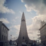 Photo taken at Hallgrímskirkja by Kévin R. on 6/25/2013