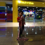 Photo taken at World of Fun by Ysa V. on 11/21/2014