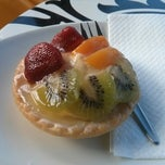 Photo taken at Schwabs Gallery Fine Foods by L C. on 11/9/2013