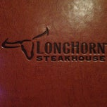 Photo taken at LongHorn Steakhouse by Pam A. on 12/27/2013