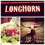 Photo taken at LongHorn Steakhouse by Kevin M. on 12/5/2012