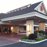 Photo taken at Sheraton Sunnyvale Hotel by Naoki H. on 4/19/2013