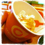 Photo taken at Orange Leaf Frozen Yogurt by Charlie M. on 10/14/2012