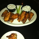 Photo taken at Lester's Sports Bar & Grill by Sahni's on 6/2/2012