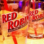 Photo taken at Red Robin Gourmet Burgers by Ashley H. on 4/1/2012