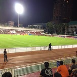 Photo taken at สนามเทพหัสดิน (Thephasadin Stadium) by Kampanart P. on 8/29/2012