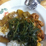 Photo taken at Jia Yi Curry Fish Head by Laura J. on 3/31/2011