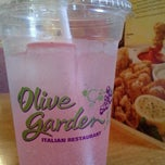 Photo taken at Olive Garden by SoL on 7/29/2012
