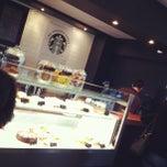 Photo taken at Starbucks by Ruben A. on 6/15/2012