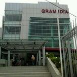 Photo taken at Gramedia by Burhanudin S. on 9/17/2011