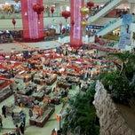 Photo taken at The Mall Department Store (ห้างสรรพสินค้าเดอะมอลล์) by Jun D. on 1/27/2012