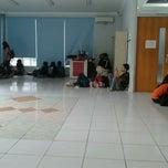 Photo taken at Comlab Fakultas Ilmu Komputer by Gusyunas S. on 11/30/2011