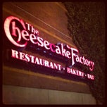 Photo taken at Cheesecake Factory by Giancarlo Nicola Z. on 3/26/2012