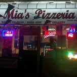 Photo taken at Mona Mias Pizzeria by Richard V. on 3/7/2012