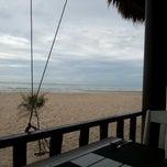 Photo taken at โรงแรมสวนบวกหาด (Beach Garden Hotel Cha-am) by Aloh H. on 6/27/2012