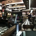 Photo taken at Almacen de Pizzas by Javier R. on 8/11/2011
