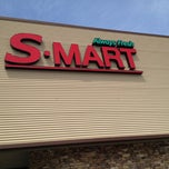 Photo taken at S-Mart by Michael Anthony on 4/12/2012