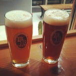 Photo taken at Baird Beer 中目黒タップルーム Nakameguro Taproom by 文武 東. on 2/11/2012