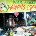 Photo taken at Nasi Lemak Wan Ahmad by damhanaw on 9/27/2011