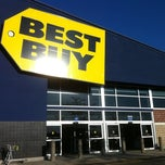 Photo taken at Best Buy by Stacey T. on 10/9/2011