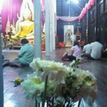 Photo taken at วัดหลวง by Chilly C. on 2/18/2011