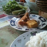 Photo taken at Ayam Bakar & Goreng Brebes by Rio M. on 7/11/2012